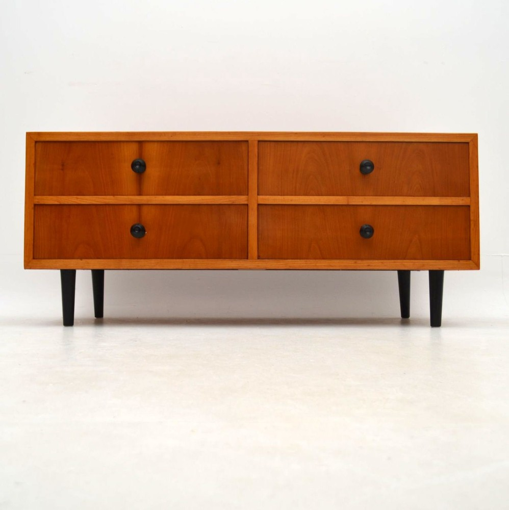 retro elm sideboard vintage 1950 s retrospective. Black Bedroom Furniture Sets. Home Design Ideas