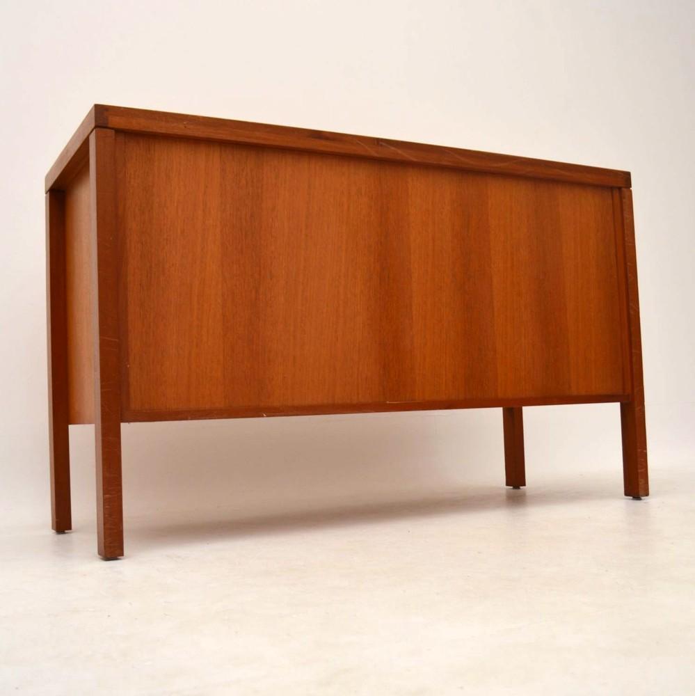 retro teak sideboard vintage 1960 s retrospective. Black Bedroom Furniture Sets. Home Design Ideas