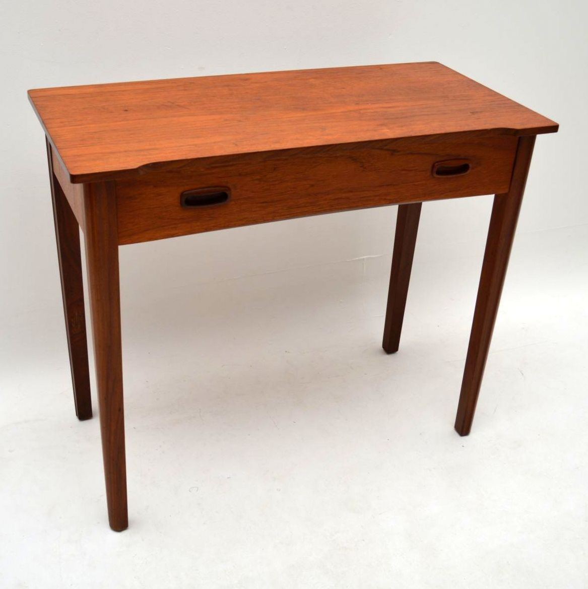 Retro teak side table desk vintage 1960 s for Retro side table