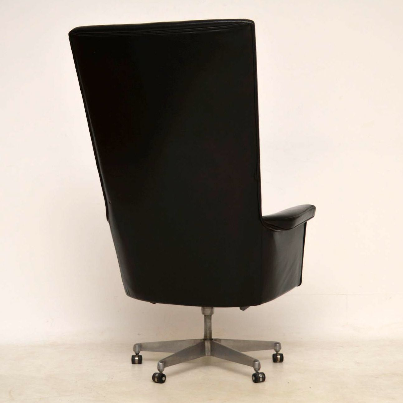 1960 S Vintage Leather Swivel Desk Chair By John Home For