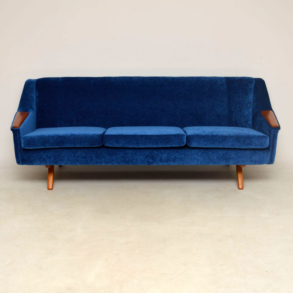 1960 S Vintage Sofa By Illum Wikkelso For Westnofa Retrospective