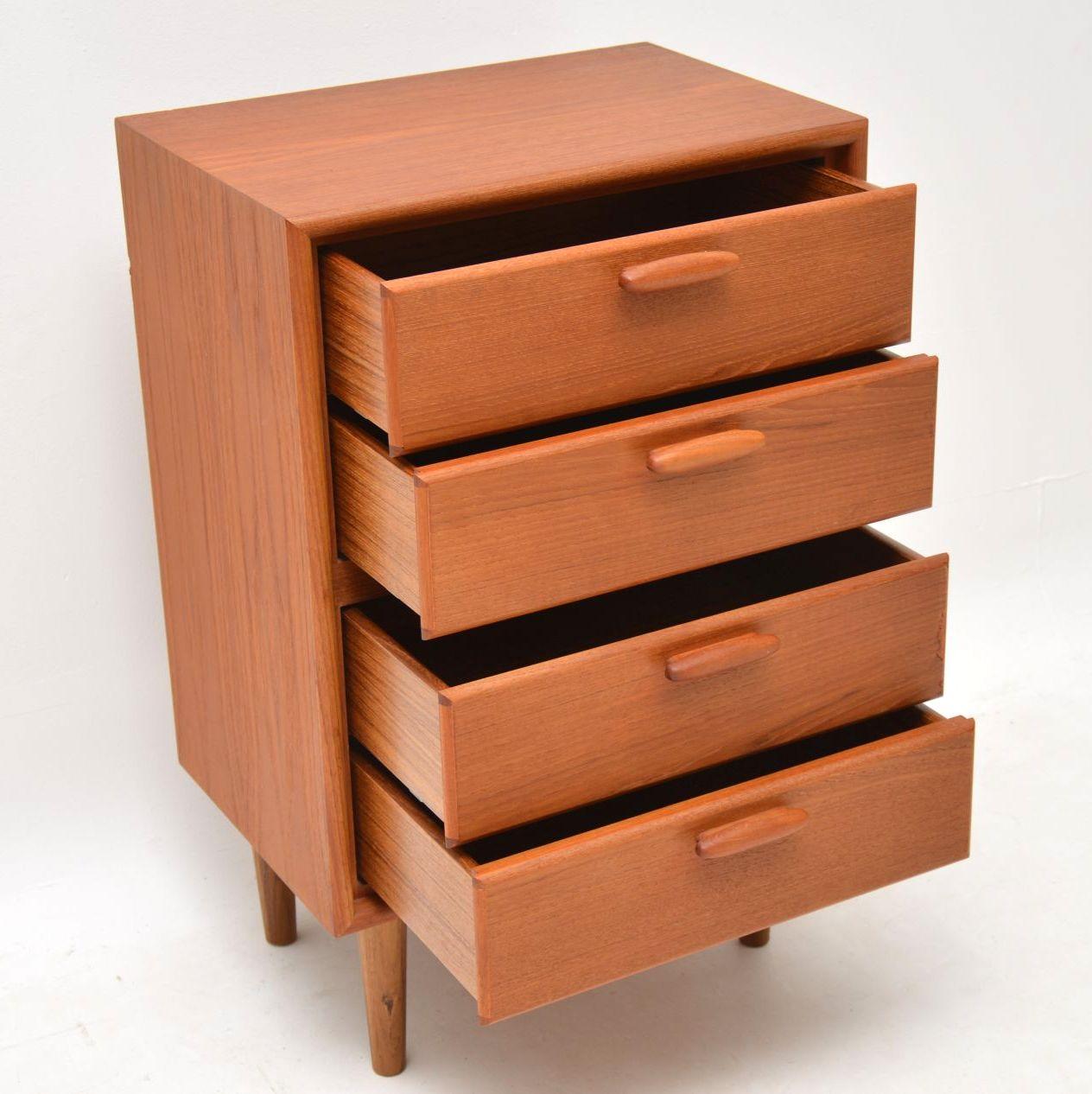 danish_retro_vintage_teak_chest_of_drawers_7