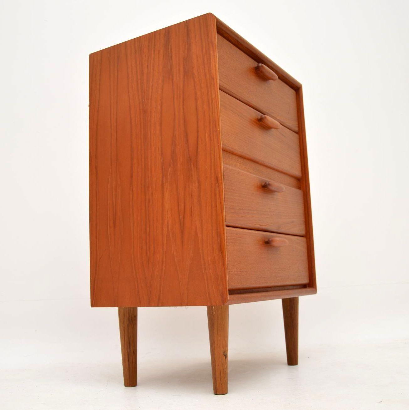 danish_retro_vintage_teak_chest_of_drawers_8