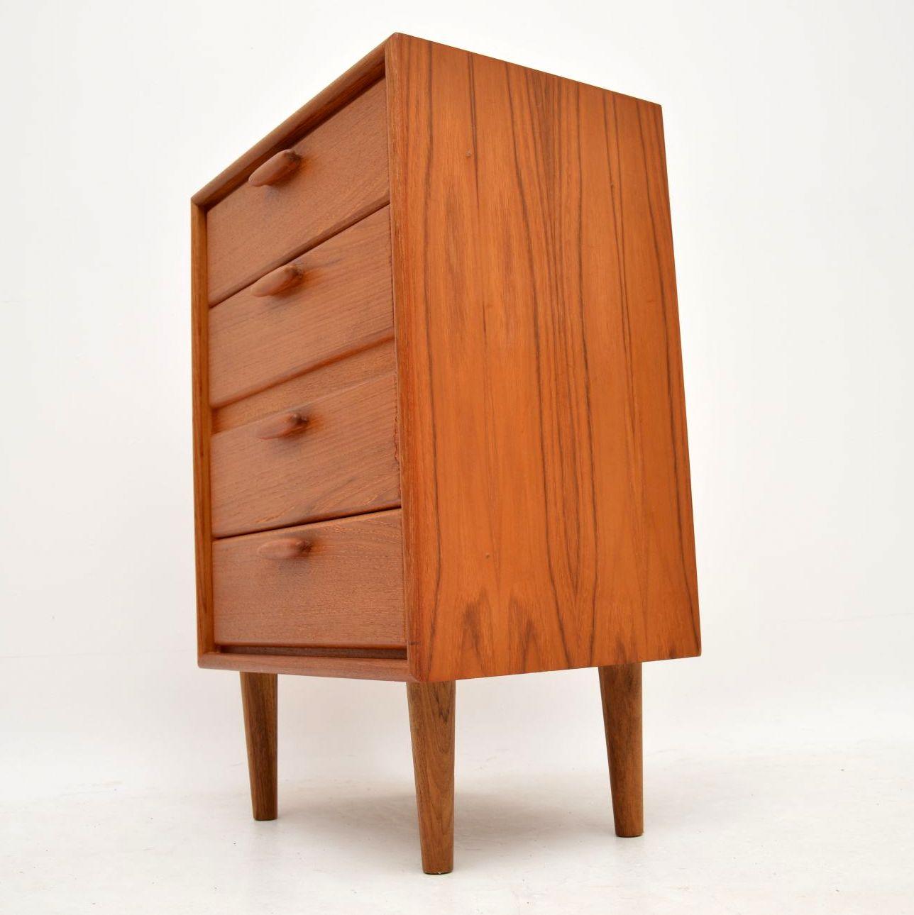 danish_retro_vintage_teak_chest_of_drawers_9