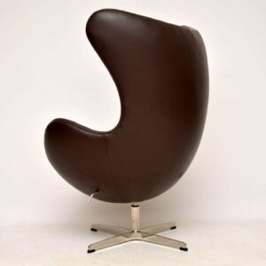 Arne Jacobsen Leather Swivel Egg Chair