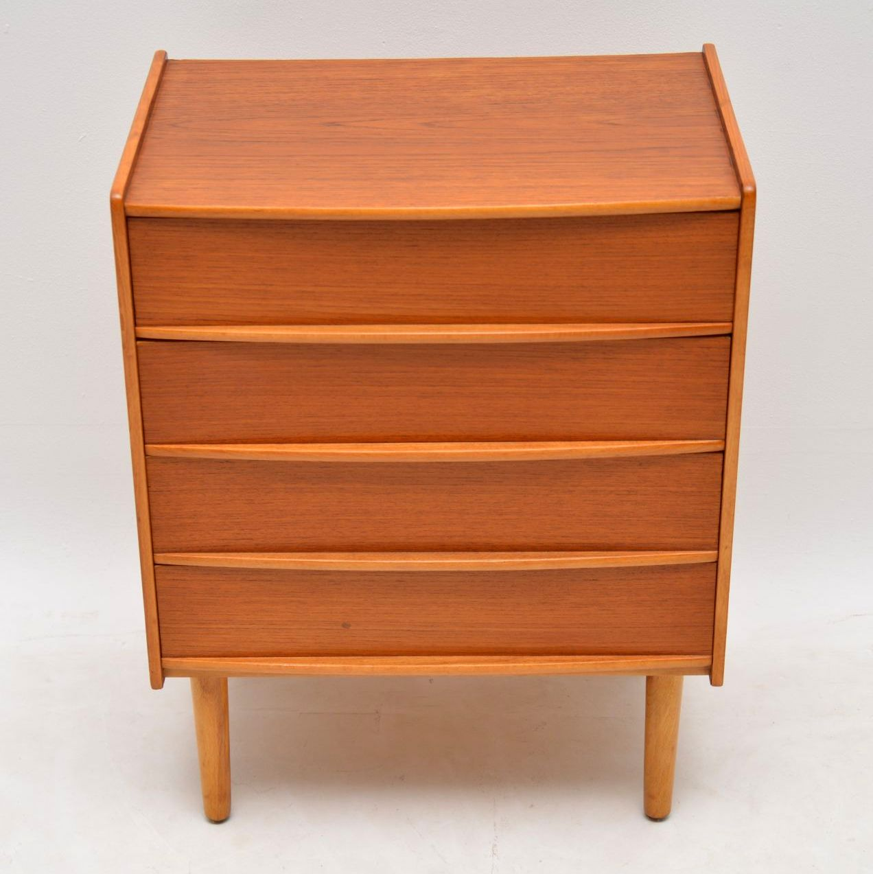 danish_teak_retro_vintage_chest_of_drawers_4