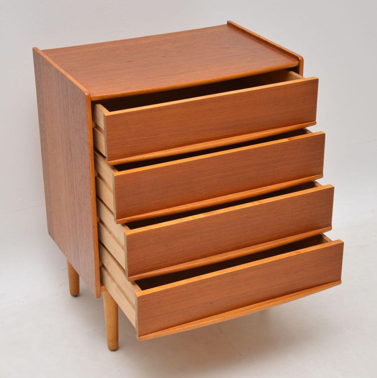 danish_teak_retro_vintage_chest_of_drawers_5