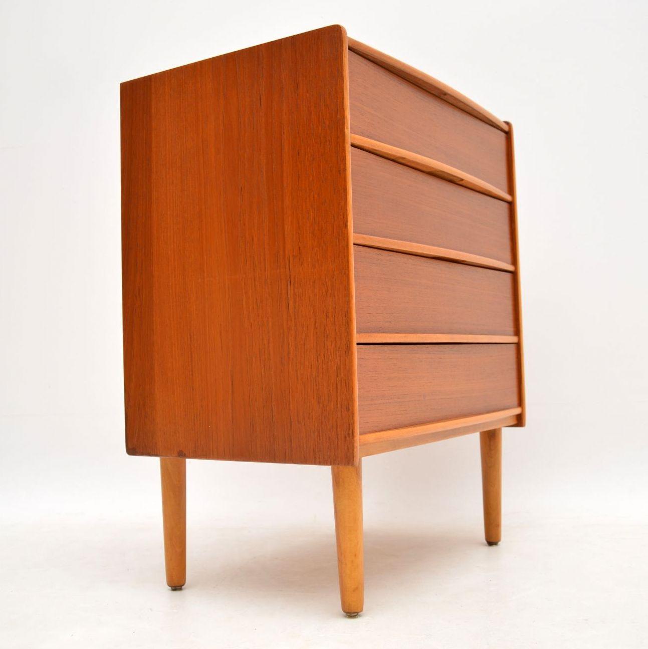 danish_teak_retro_vintage_chest_of_drawers_7