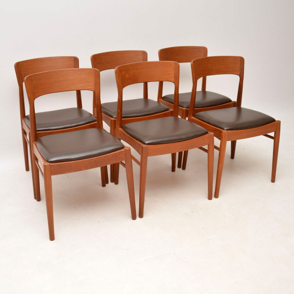 danish_teak_retro_vintage_dining_table_chairs_2
