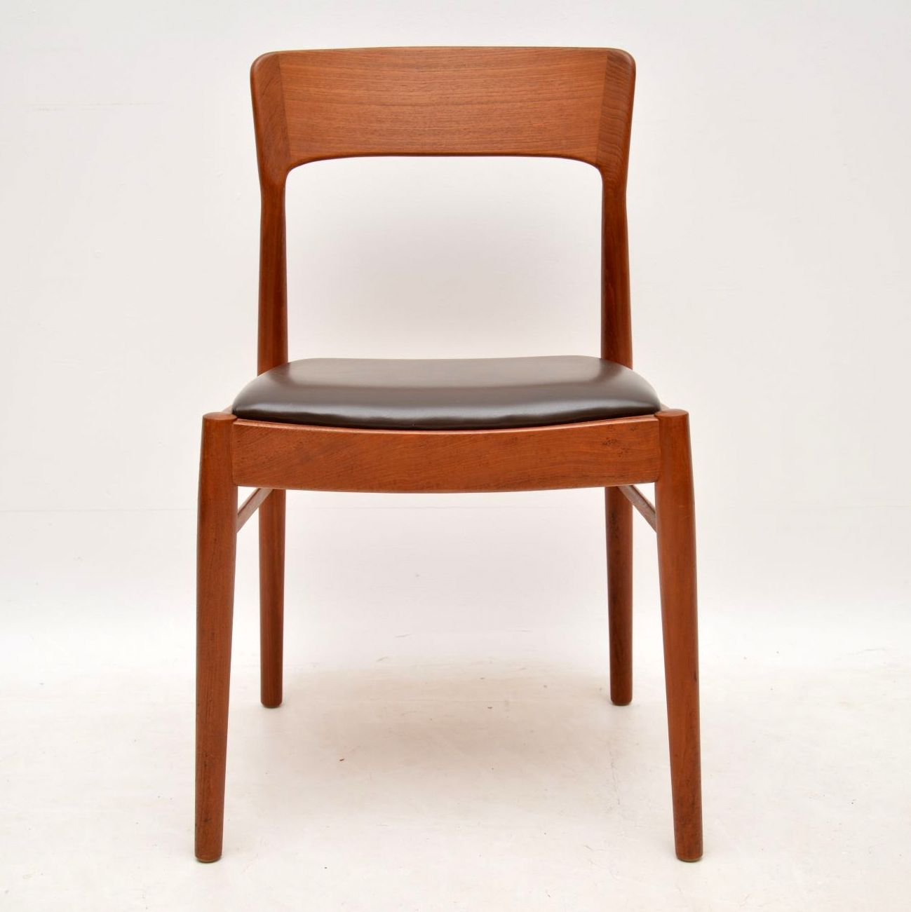 danish_teak_retro_vintage_dining_table_chairs_4