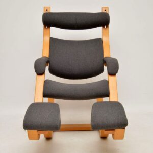 stokke gravity balans armchair by peter opsvik
