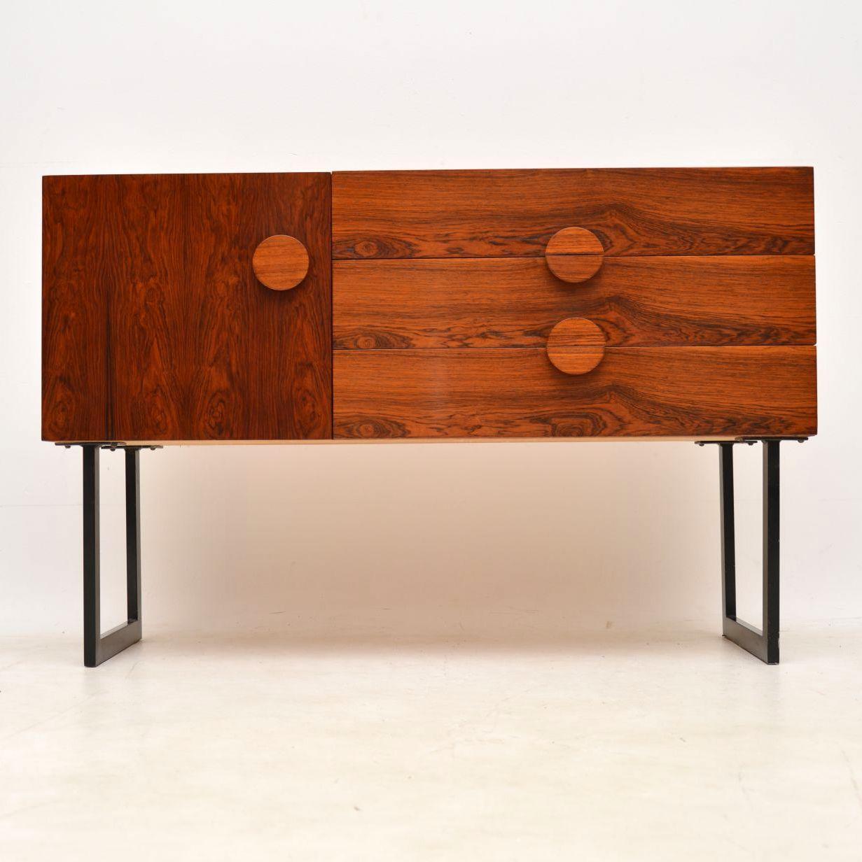 danish_rosewood_retro_vintage_sideboard_table_2