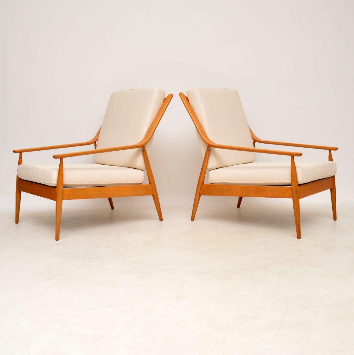 pair_of_danish_retro_vintage_scandart_armchairs_3