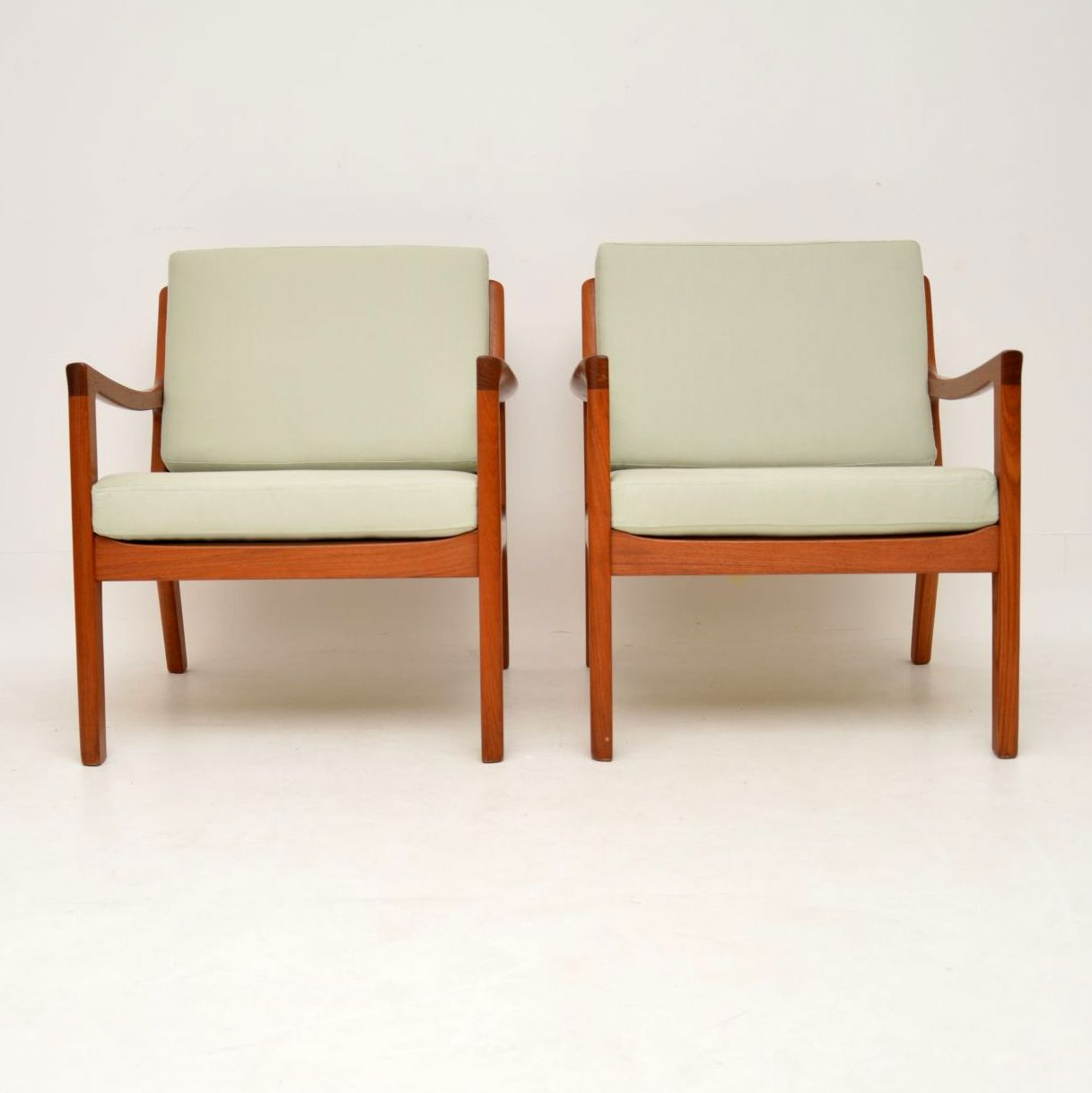 pair of danish retro vintage teak senator armchairs ole wanscher