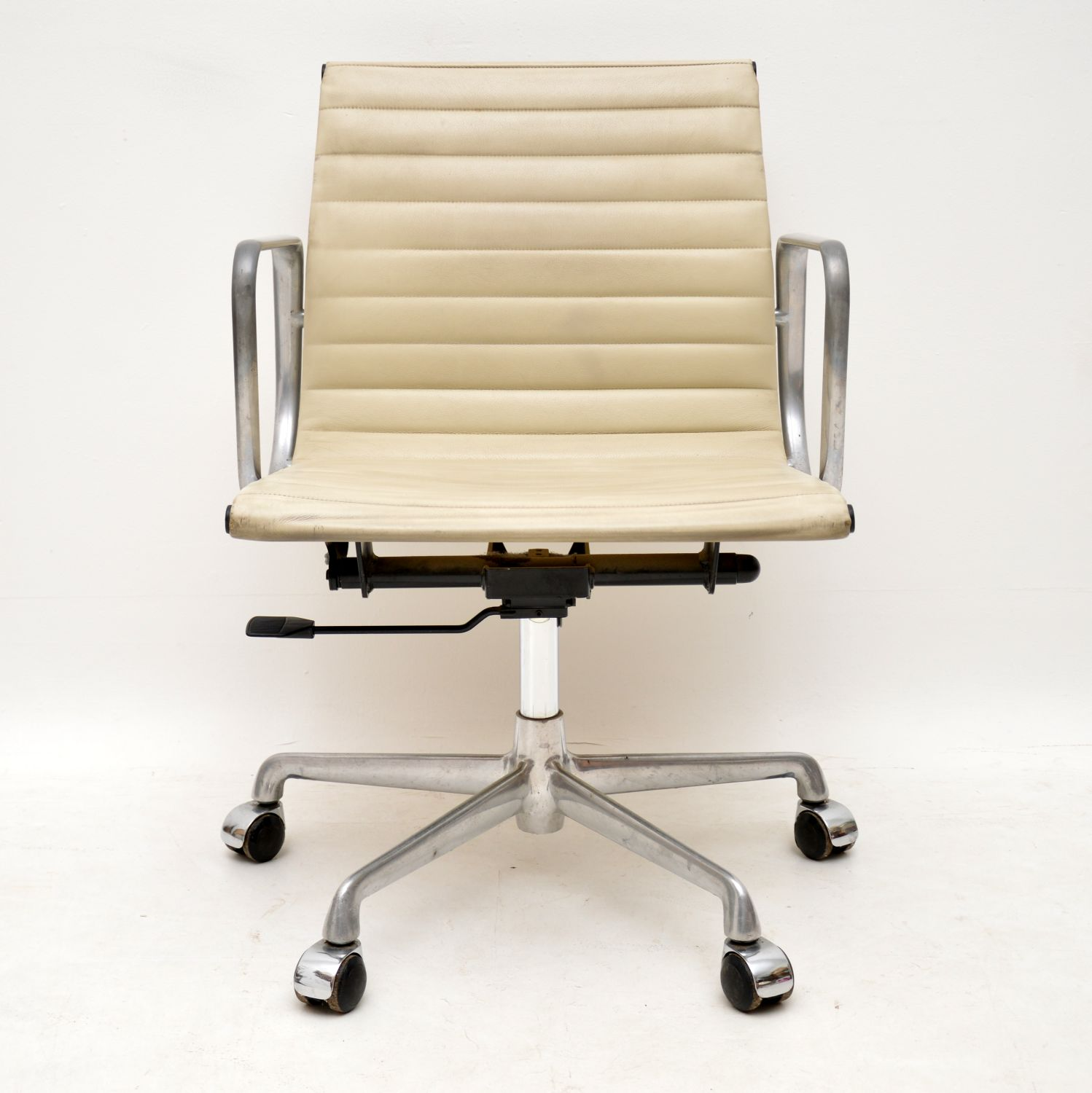 Image of: Original Vintage Leather Desk Chair By Charles Eames For Icf Retrospective Interiors Retro Furniture Vintage Mid Century Furniture Vintage Danish Modern Furniture Antique Furniture London