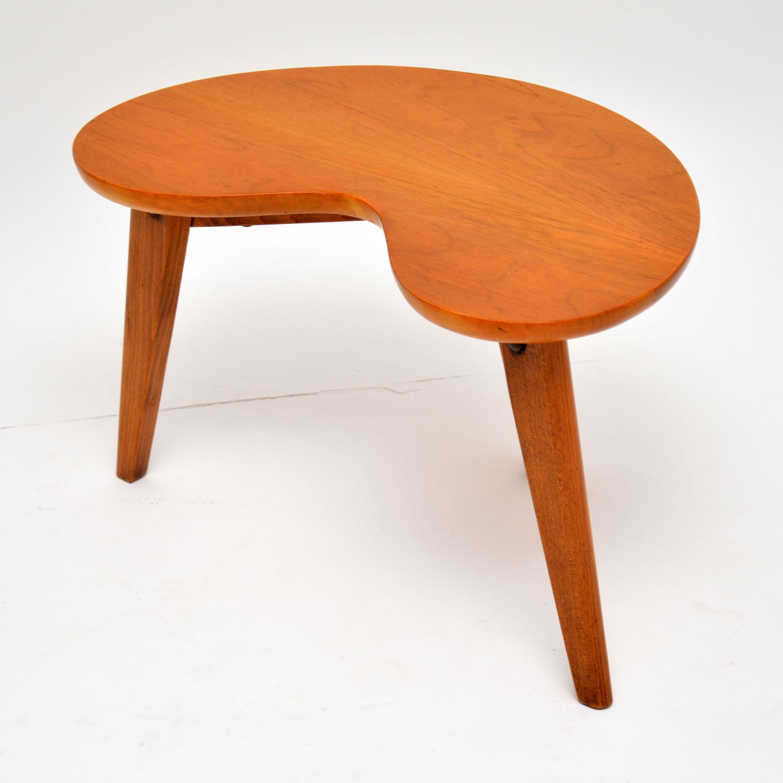- 1960's Vintage Walnut Boomerang Side Table - Retrospective