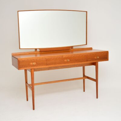 archie shine robert heritage hamilton dressing table