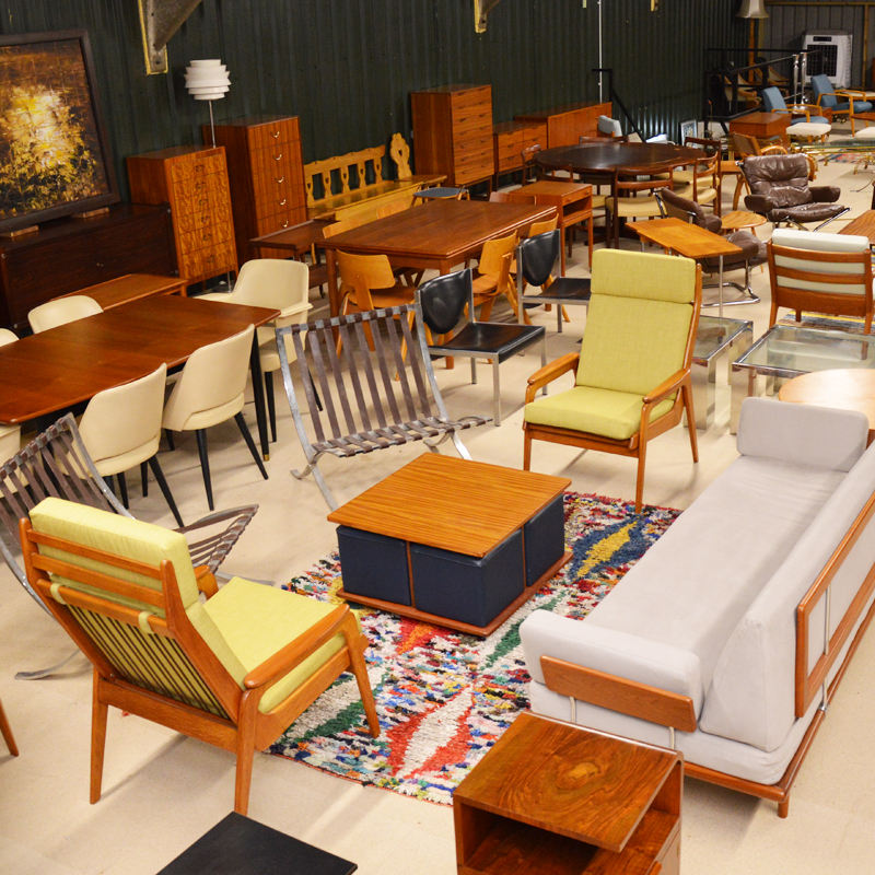 retro-furniture-warehouse