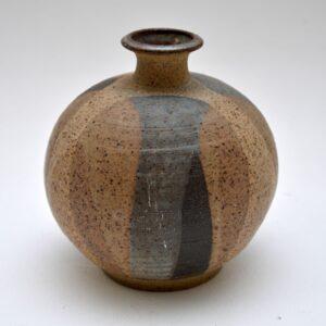 charles counts studio pottery vase